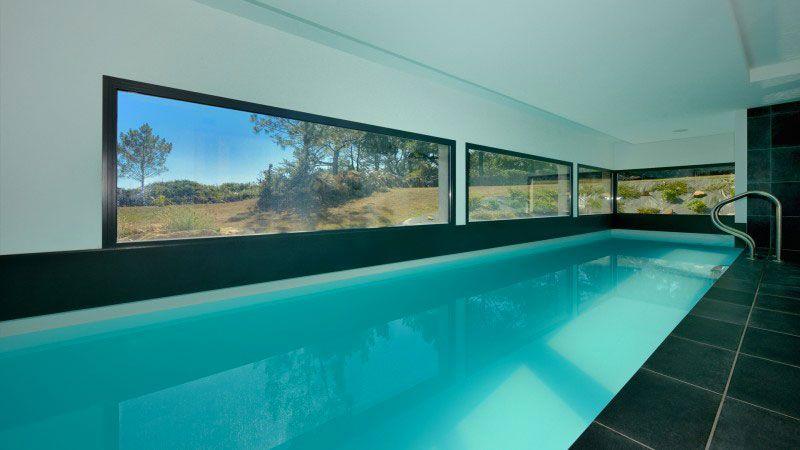 Piscine design intérieure pour nager