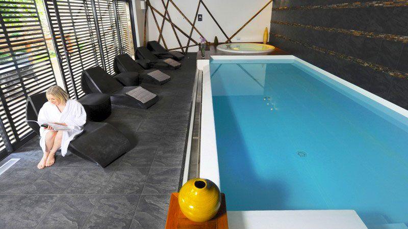 Piscine pour un spa
