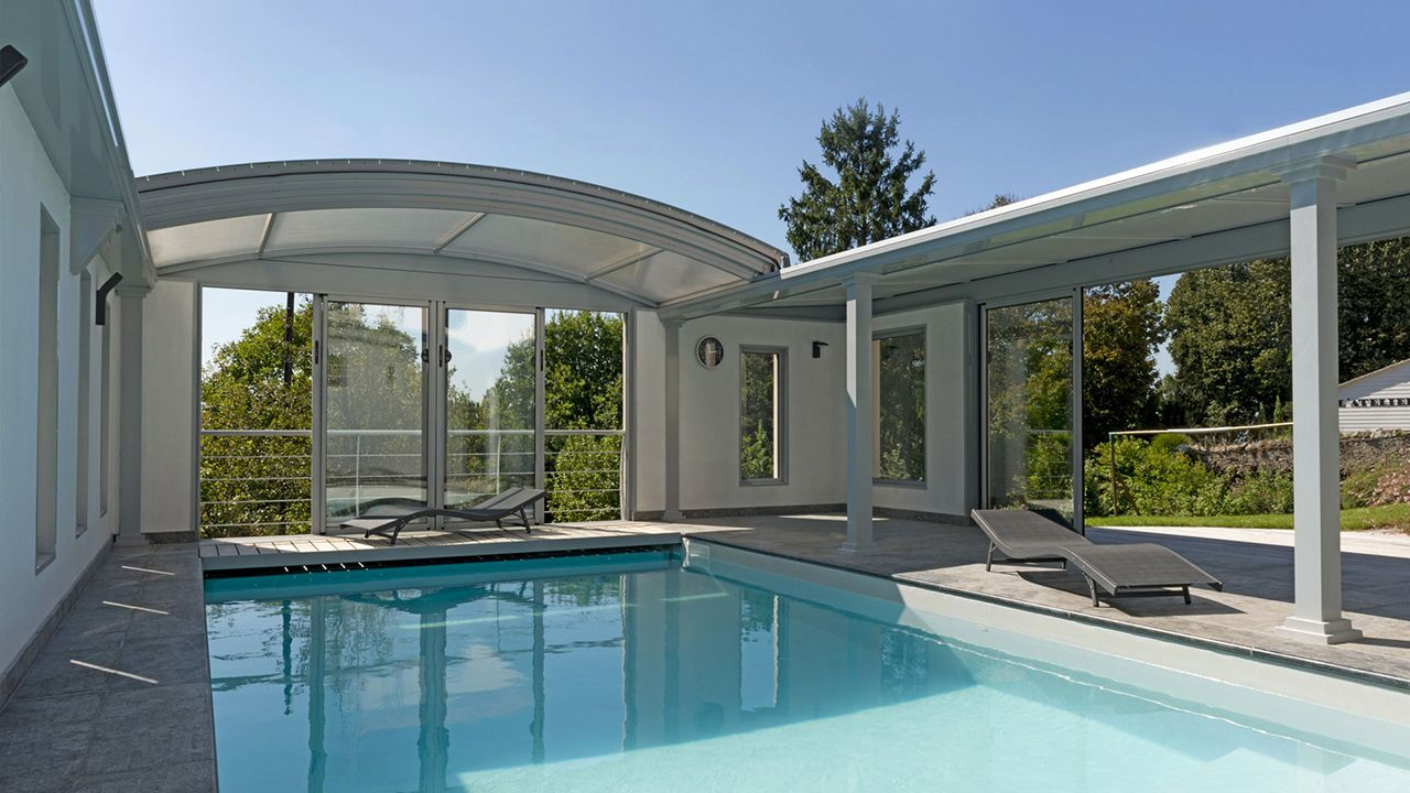 pergola pour spa toit retractable pour spa. Black Bedroom Furniture Sets. Home Design Ideas