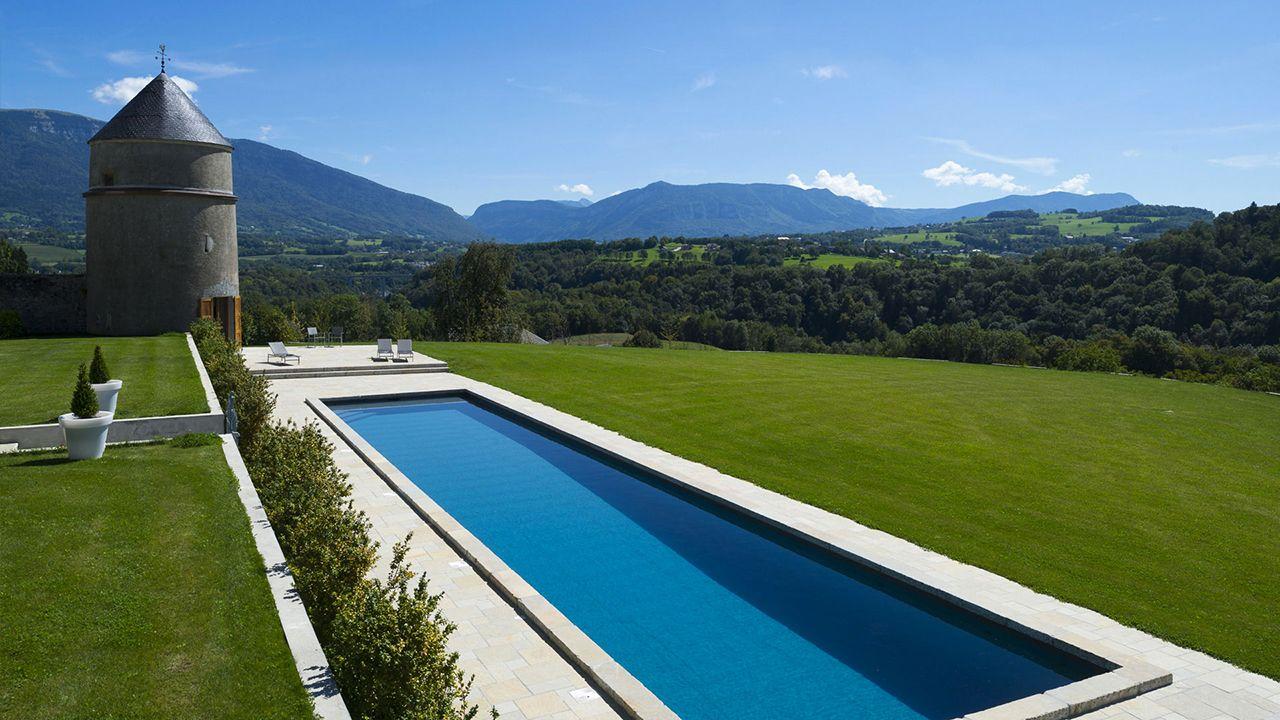 grand bleu et montagnes l 39 esprit piscine. Black Bedroom Furniture Sets. Home Design Ideas