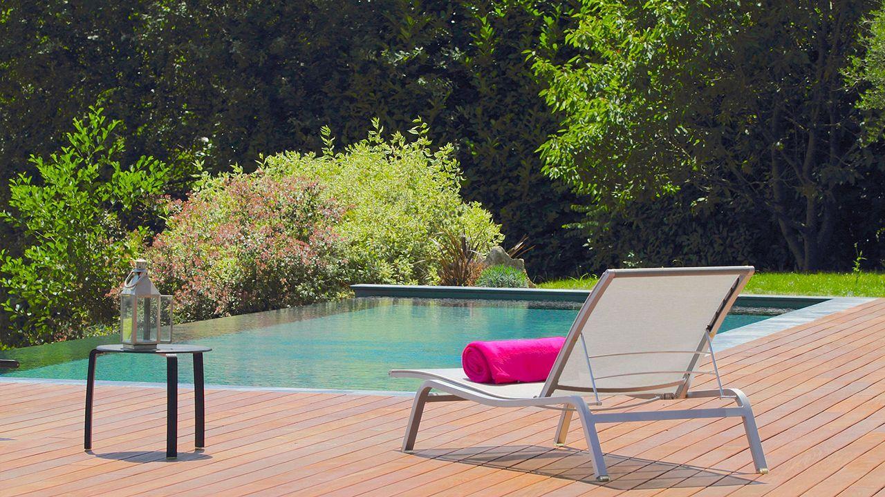 de l 39 eau perte de vue l 39 esprit piscine. Black Bedroom Furniture Sets. Home Design Ideas