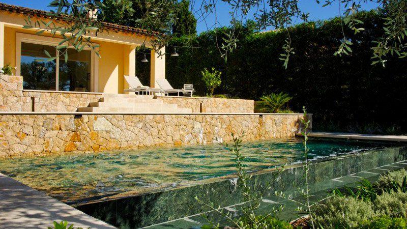 Piscine et jardins en cascade piscine avec cascade Piscine à débordement