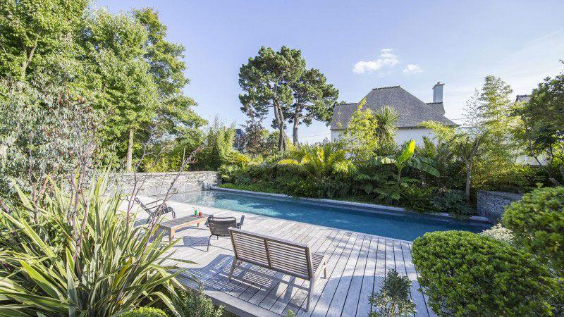Ambiance tropicale Piscine paysagée Gris anthracite