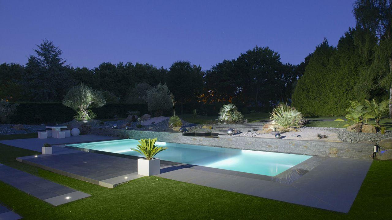 Th tre d 39 eau dans le jardin l 39 esprit piscine - Point d eau dans le jardin ...
