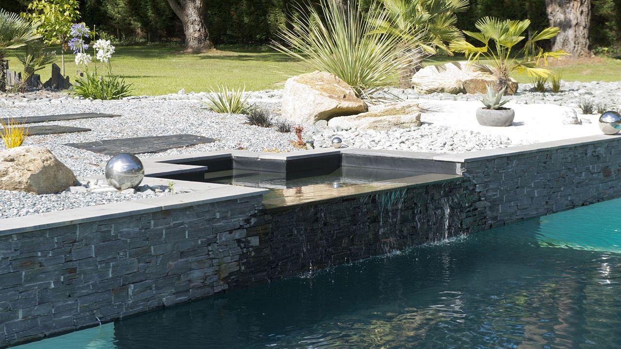 Théâtre d\'eau dans le jardin · l\'esprit piscine