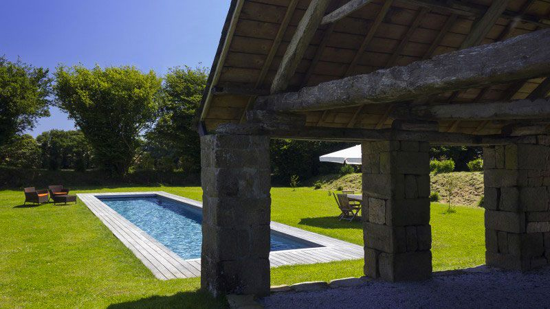 Crawler à la campagne piscine design maison de campagne Gris anthracite