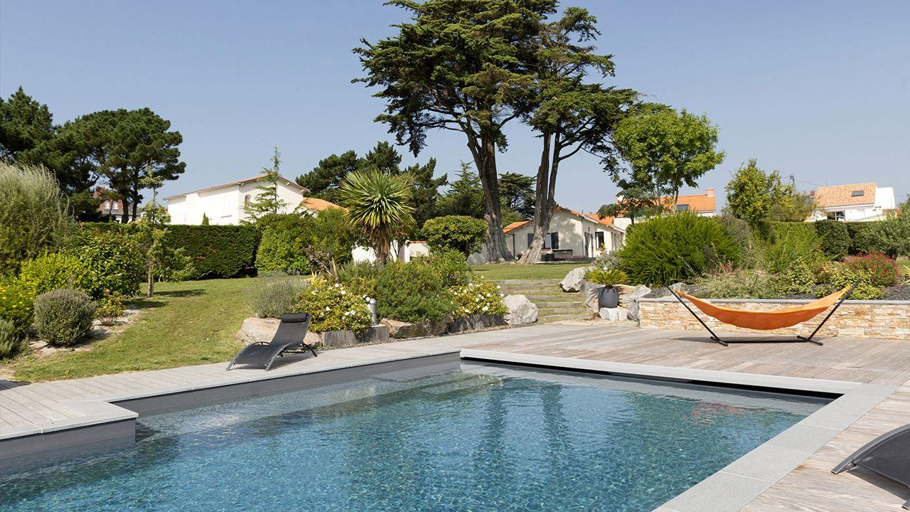 Ambiance zen piscine exterieure ambiance zen Piscine paysagée Gris anthracite