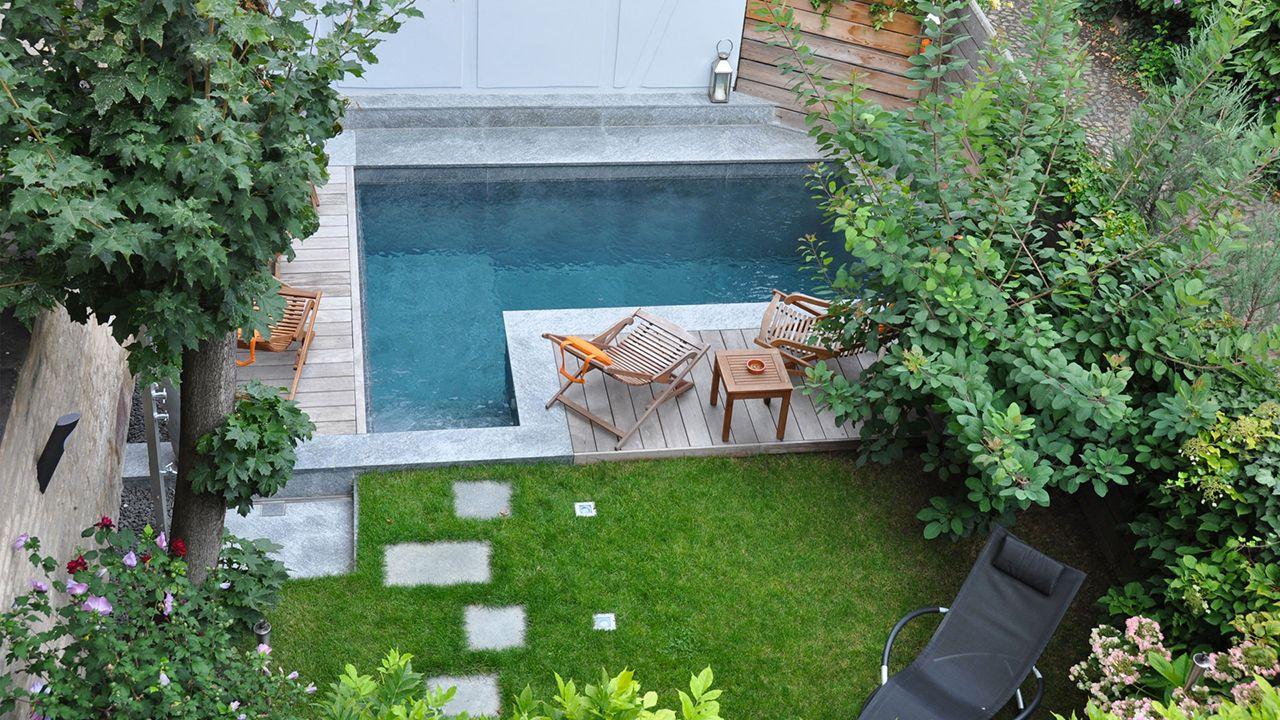 Coin de paradis piscine forme de l Piscine citadine
