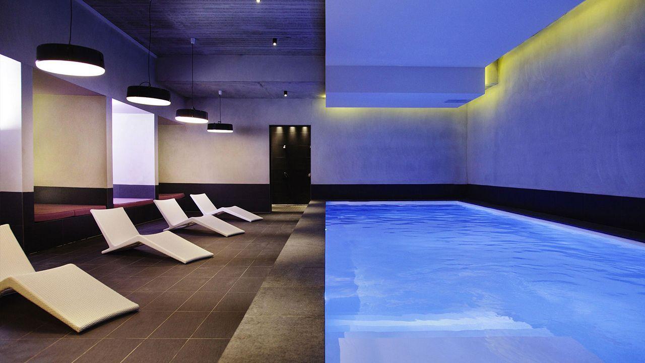 l'esprit design piscine interieure pour hotel 4 etoiles Les tendances de piscine