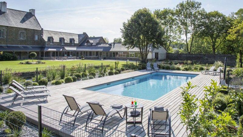 Trophée d'Argent 2015 de la rénovation renovation de piscine par archi Rénovation de piscines Gris clair