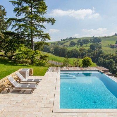 Peguet Piscines et Jardins dans la Loire construction de piscine