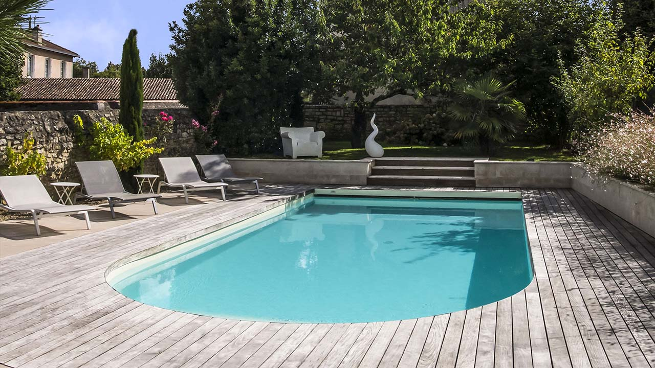 Pisciniste poitiers gasnier piscine piscine 86 for Piscine poitiers
