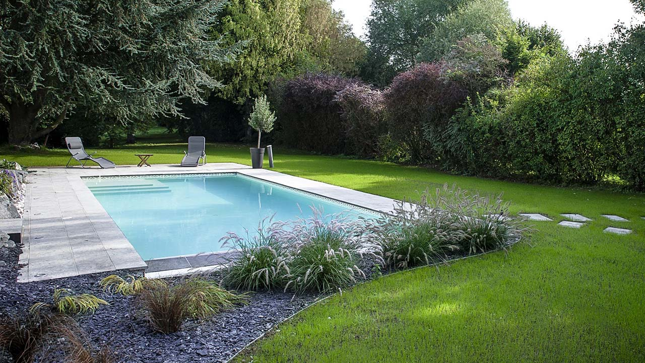 Piscinier pauchard piscines jardins construction de for Construction piscine avis