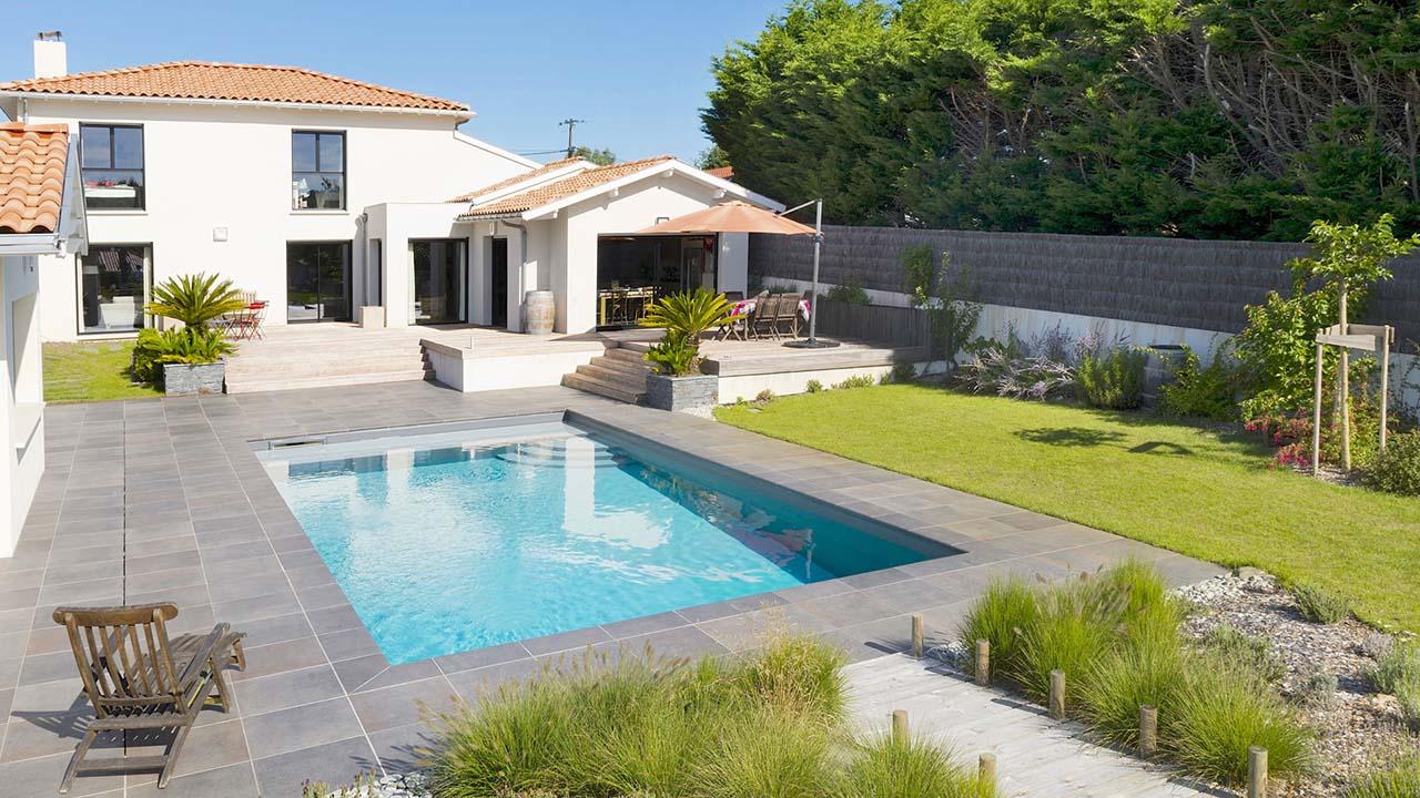 Piscinier loire atlantique jardins piscines services - Piscine loire atlantique ...