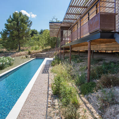 piscine Vaucluse construite par Boyer Jardin & Piscine