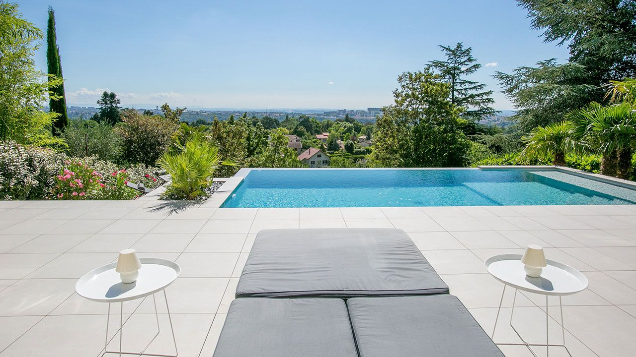 Piscinier boucher piscines construction r novation de for Construction piscine avis