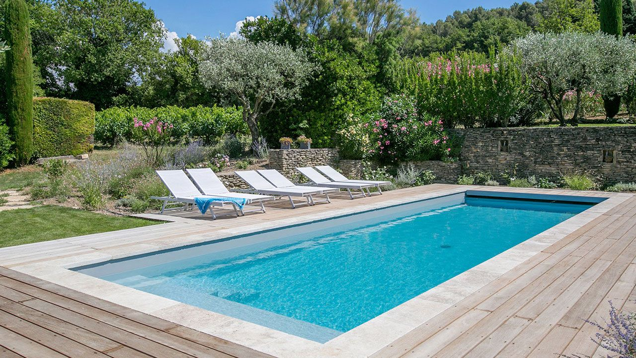 Boyer jardin piscine votre piscine sur mesure for Piscine fond mobile sans cable