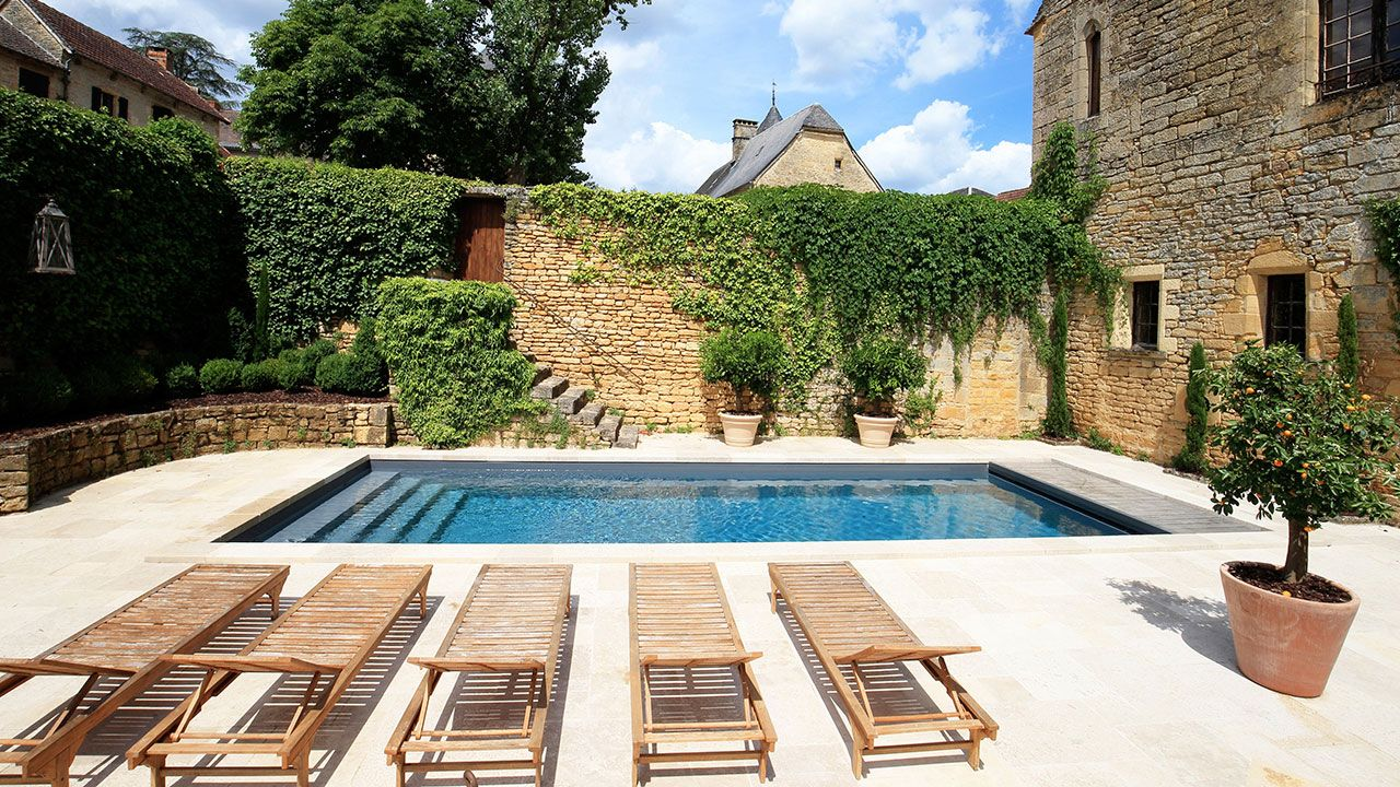 Aqua service 24 conception de piscine en dordogne for Construction piscine avis