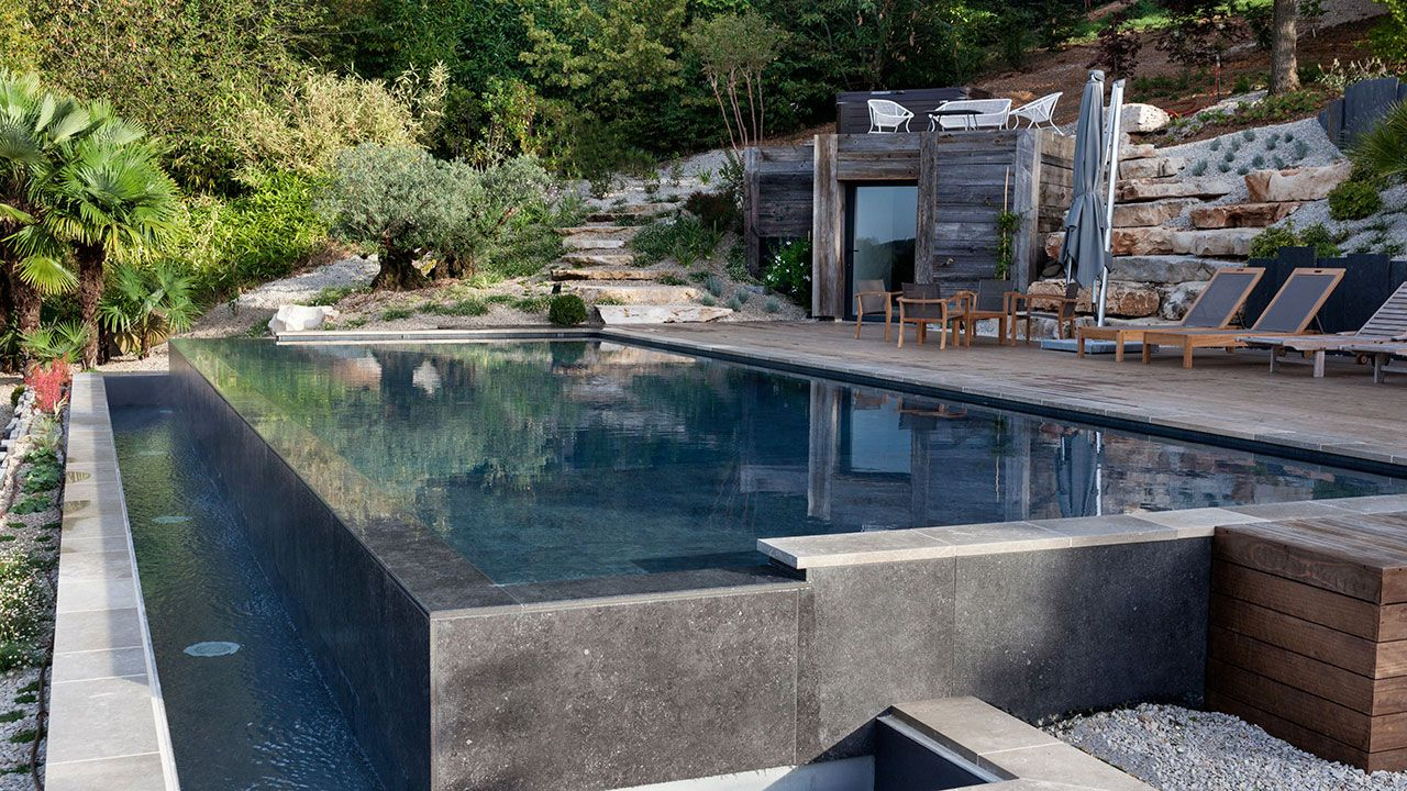 Adh piscines piscinier orl ans for Construction piscine avis