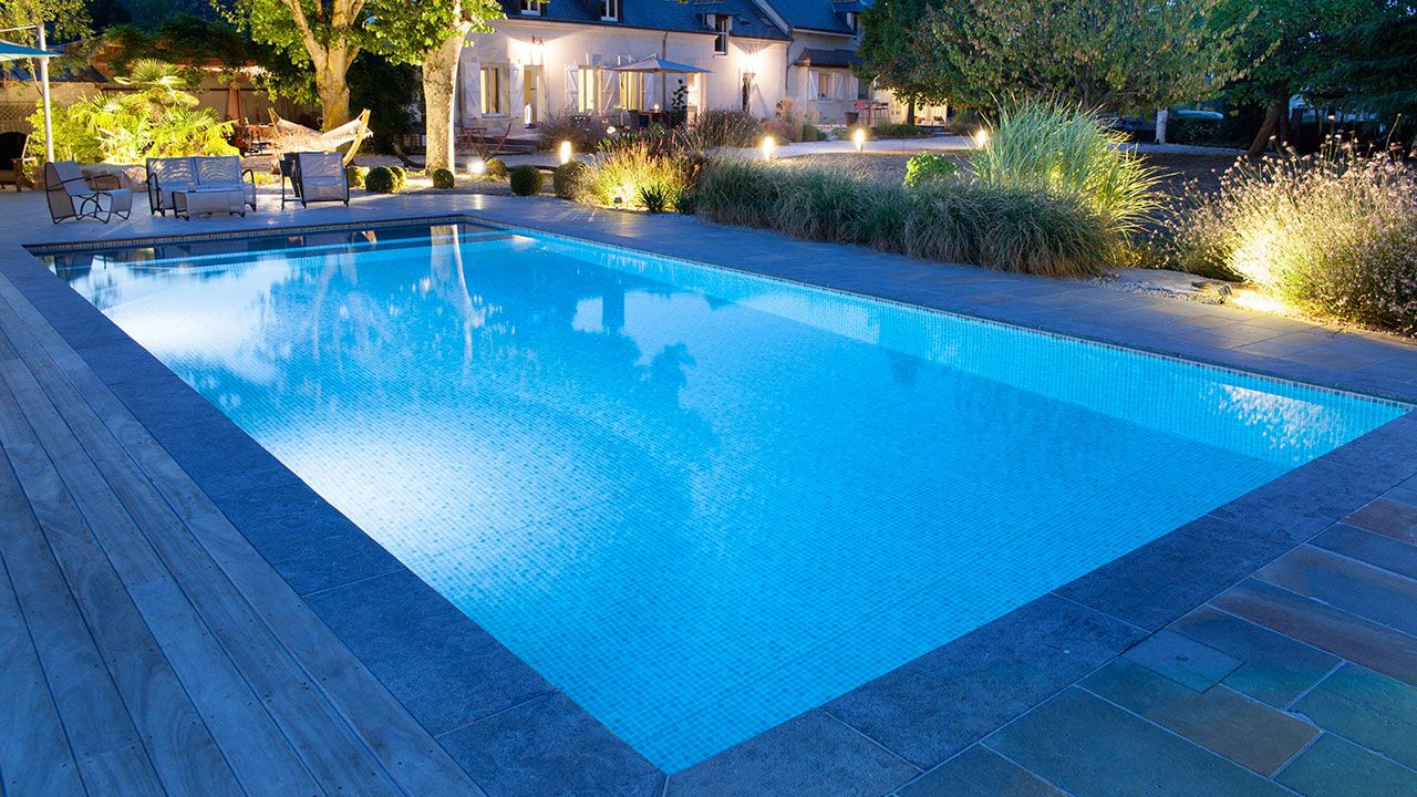 Piscinier adh piscines vend me piscinier loir et cher 41 for Construction piscine 41