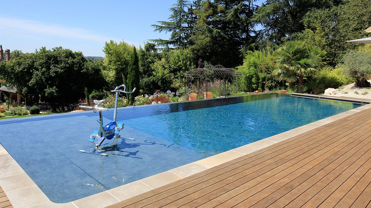 Adh piscines piscinier orl ans for Construction piscine 38