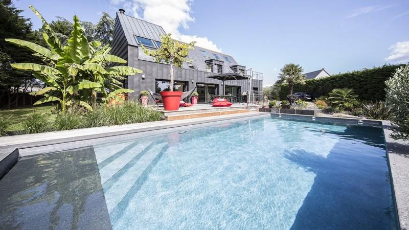 Pisciniste Vannes superbe piscine exterieure moderne piscines jms 56