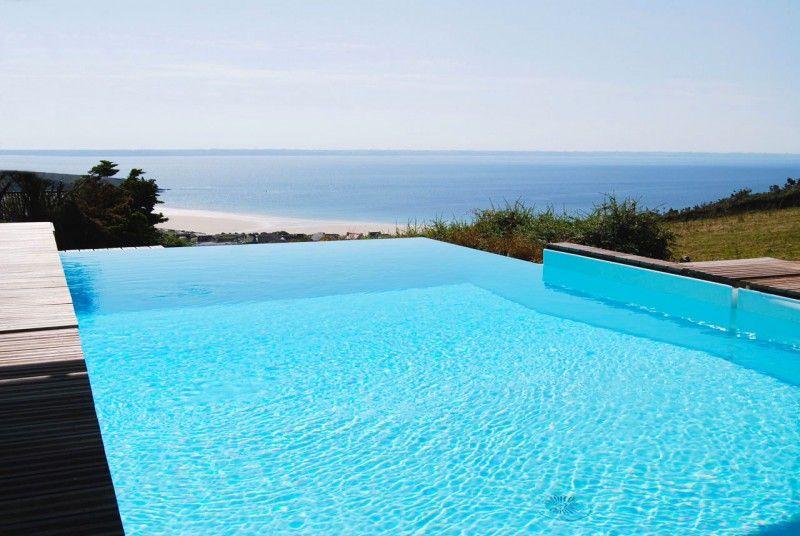 Débordement avec vue mer piscine debordement vue sur mer Piscine In&Out Blanc
