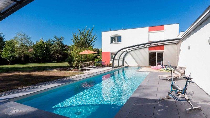 Hors d'atteinte du temps abri de piscine Gris clair