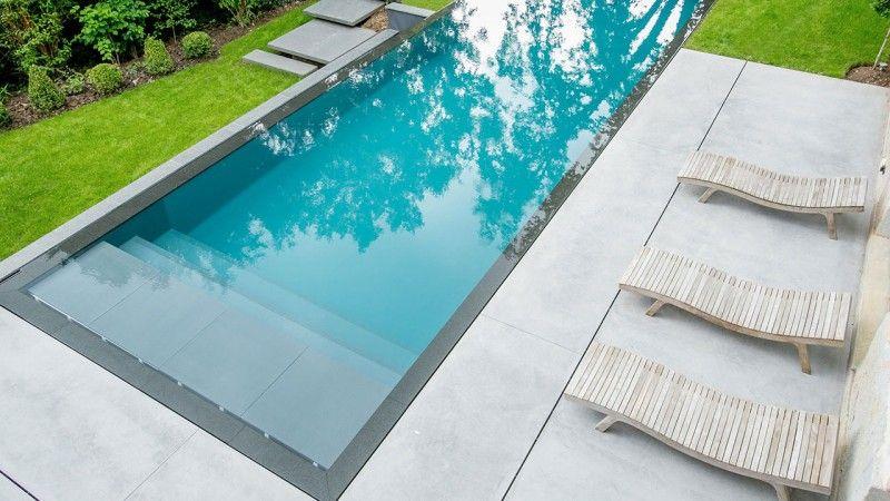 Reflets d'élégance piscine a debordement Piscine miroir minéral Gris anthracite