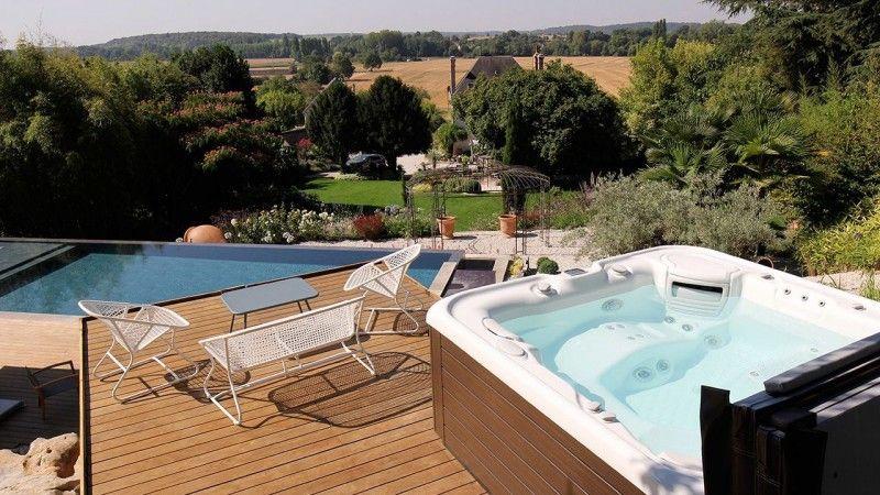 Baignade en hauteur piscine avec cascade debordement Archives