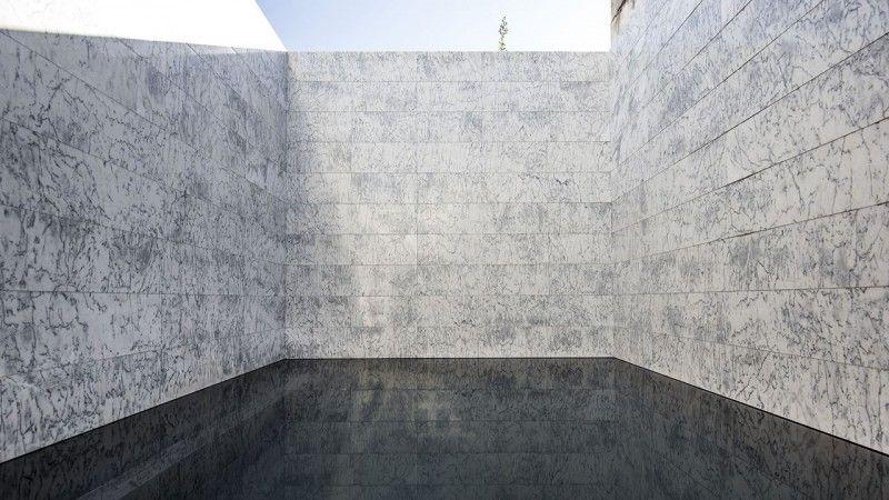 Cours sur la perspective piscine avec liner noir Piscine citadine Piscine miroir minéral Noir