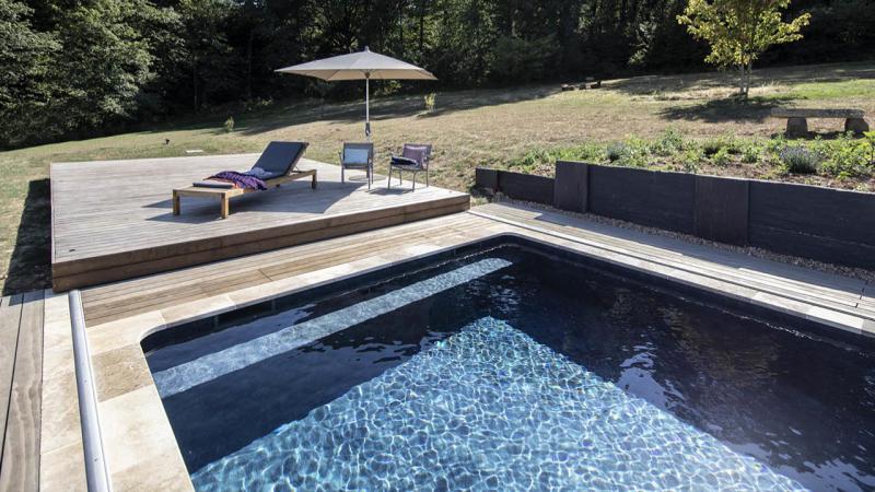 Au-delà des apparences piscine campagne terrasse mobile banc Piscine avec terrasse mobile 3D Gris ardoise