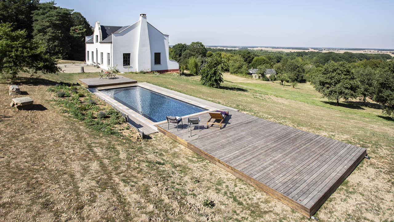 Au-delà des apparences piscine campagne terrasse mobile Piscine avec terrasse mobile 3D Gris ardoise