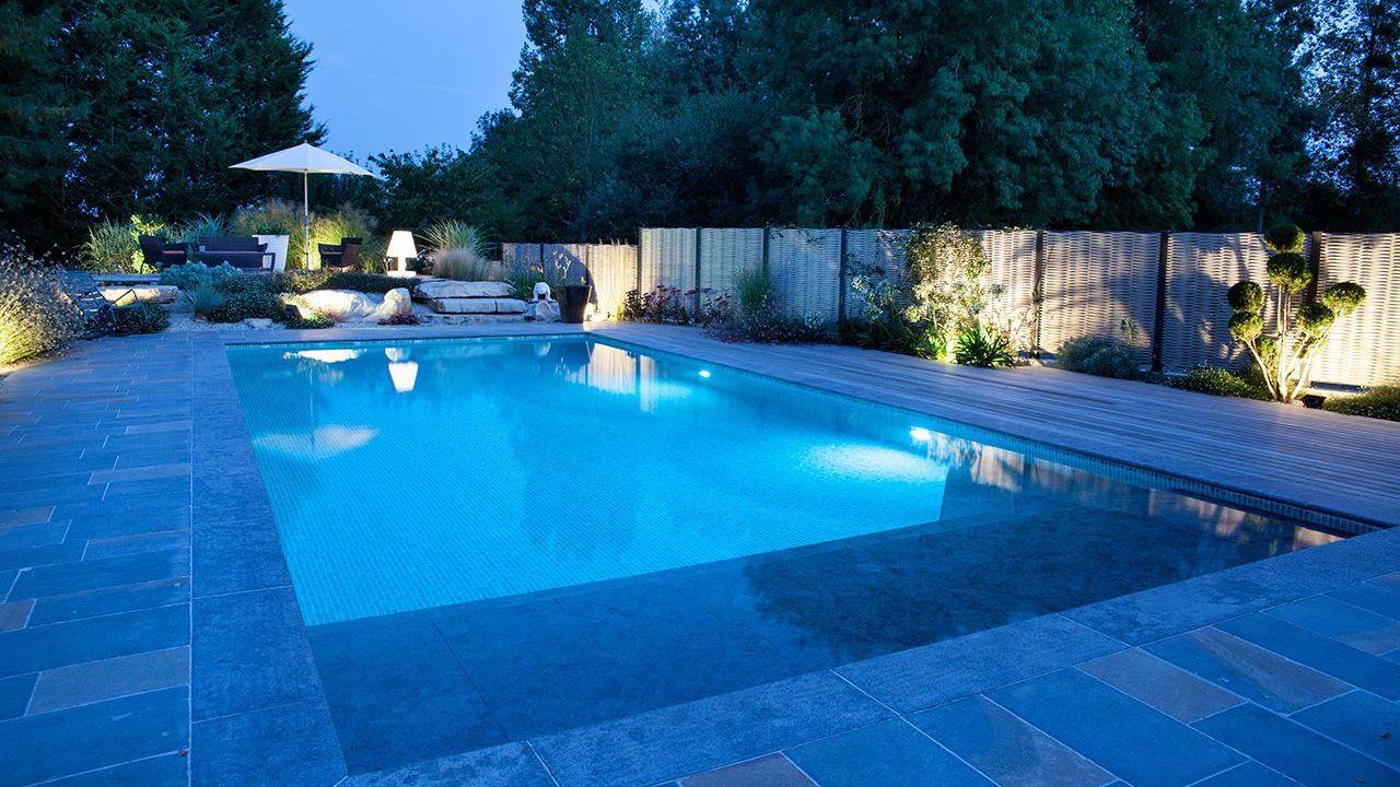 Baignade nocturne piscine de nuit 2 Piscine paysagée Gris clair