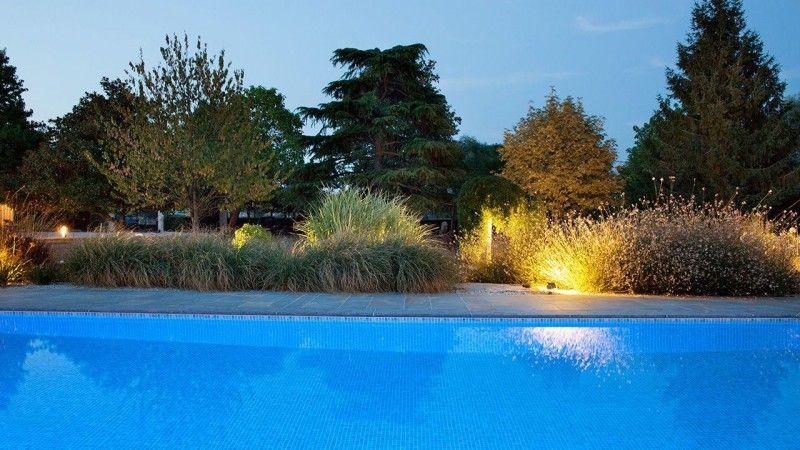 Baignade nocturne piscine eclairage Piscine paysagée Gris clair