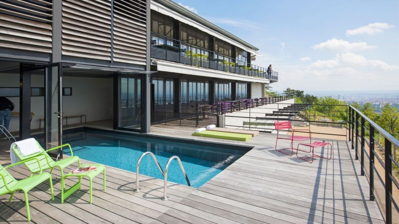 Beautiful liner piscine noir contemporary amazing house - Piscine st nicolas laval ...