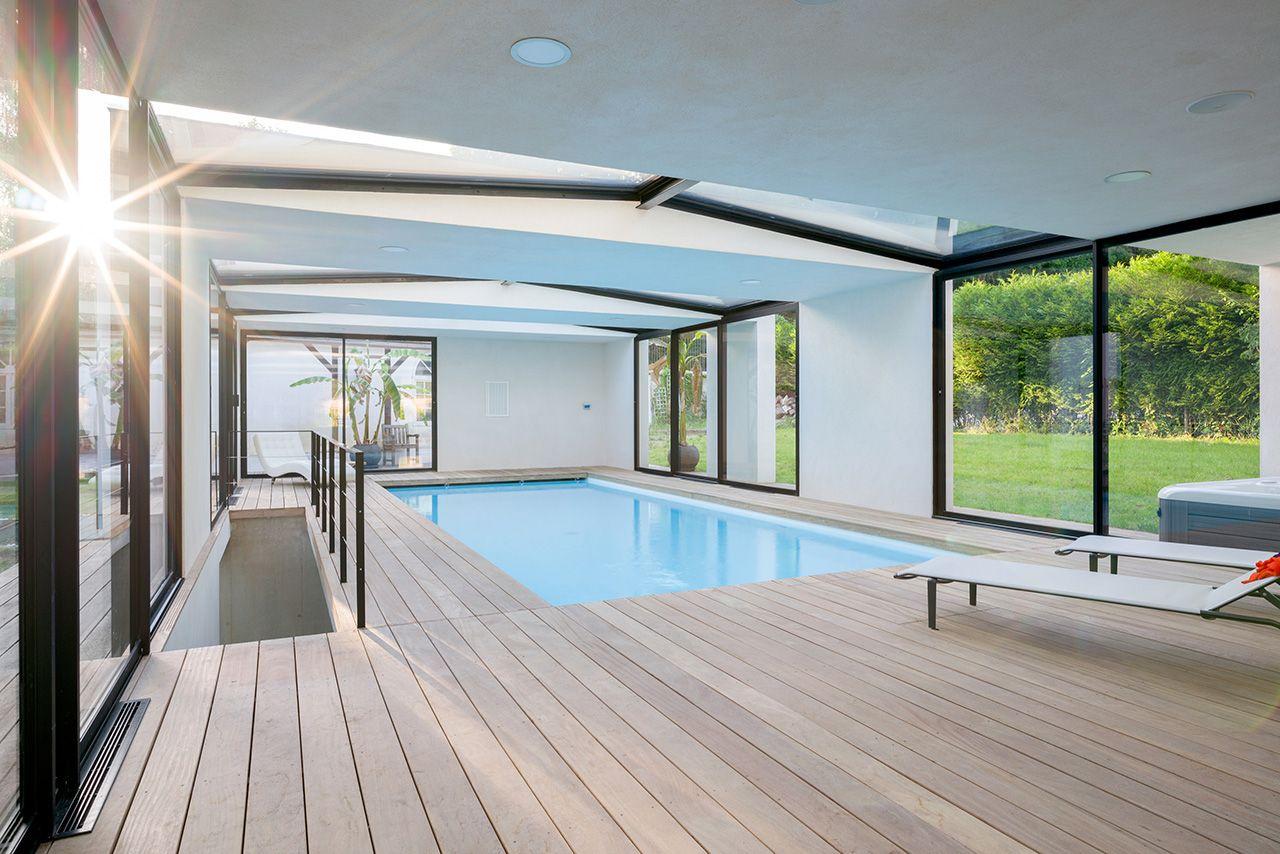 piscine int rieure constructeur de piscine d 39 int rieur. Black Bedroom Furniture Sets. Home Design Ideas