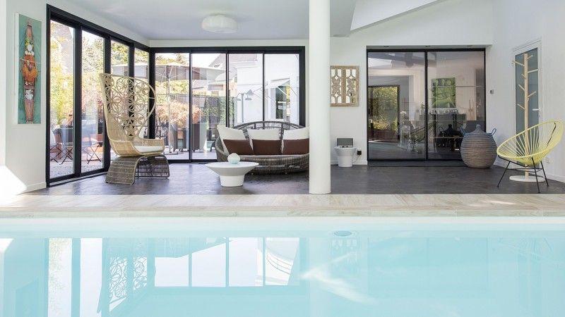 Nager en toutes saisons piscine interieure moderne Piscine intérieure Gris clair