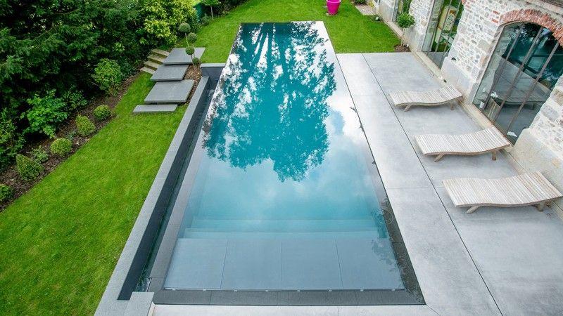 Reflets d'élégance piscine miroir magnifique Piscine miroir minéral Gris anthracite