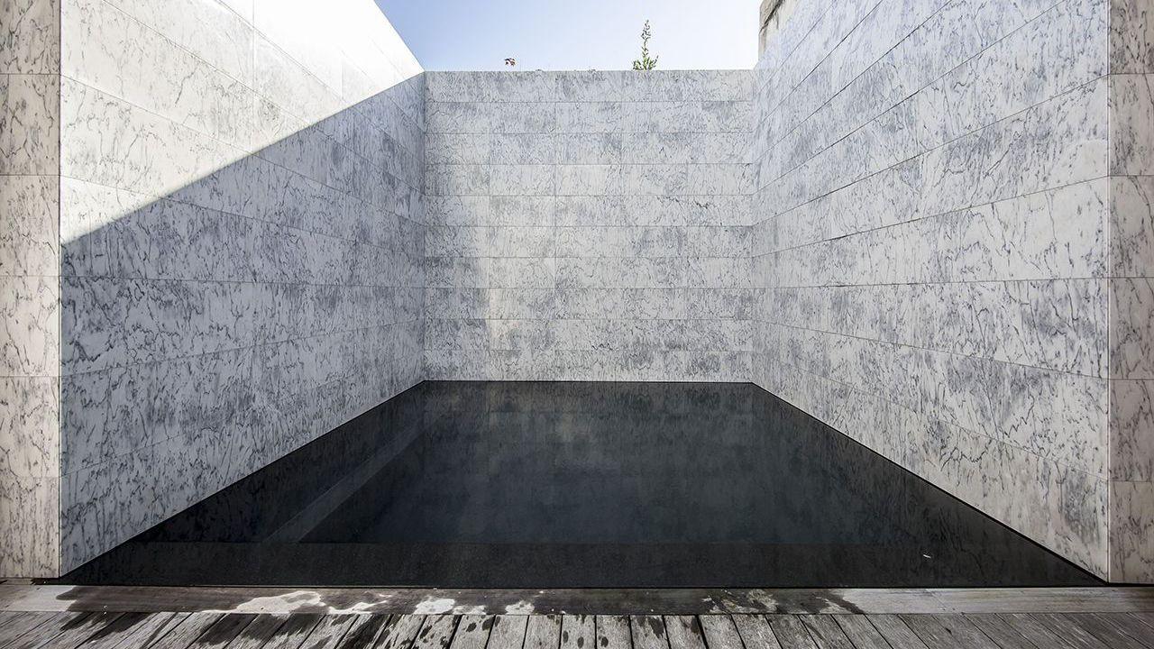 Piscine citadine archives l 39 esprit piscine for Piscine miroir noir
