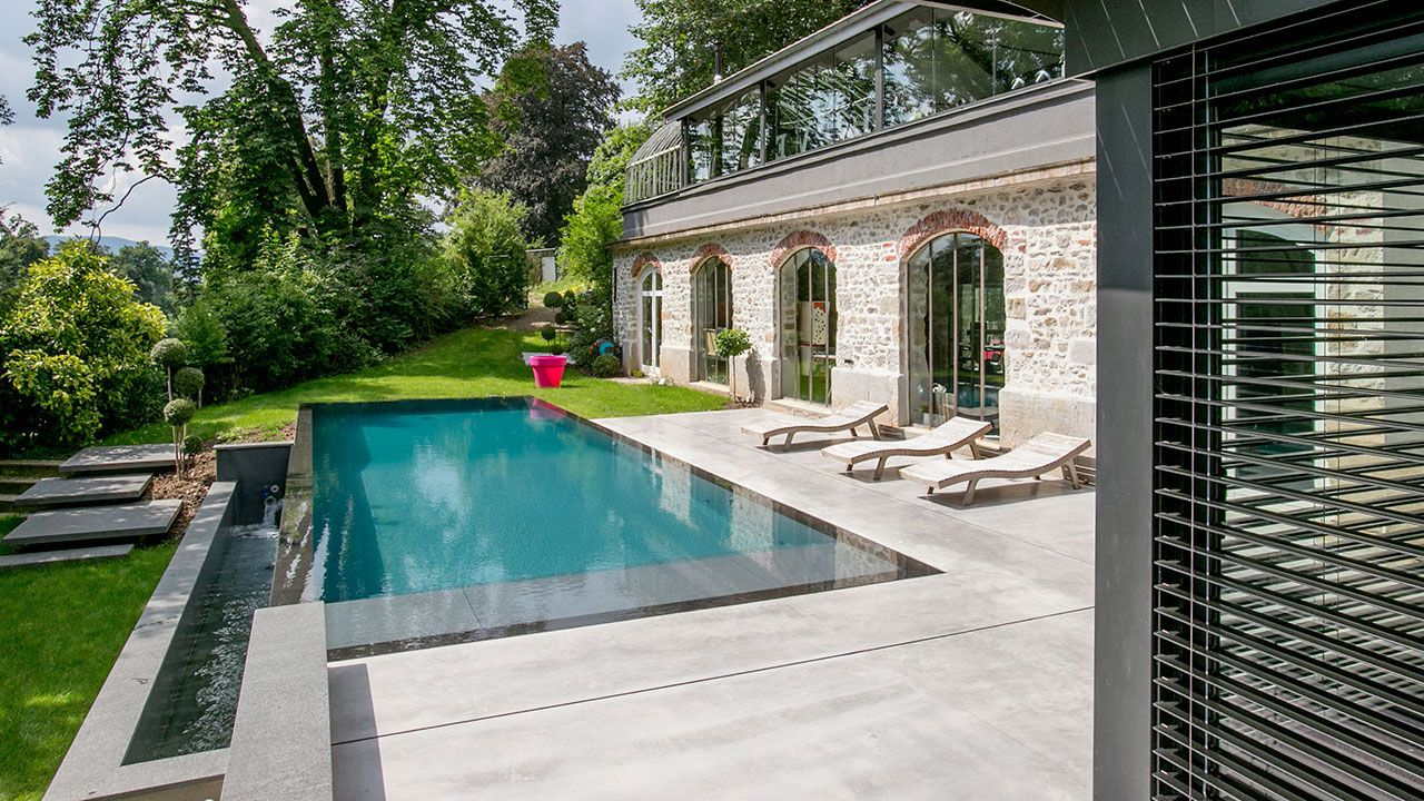 Reflets d'élégance plus belle piscine Piscine miroir minéral Gris anthracite