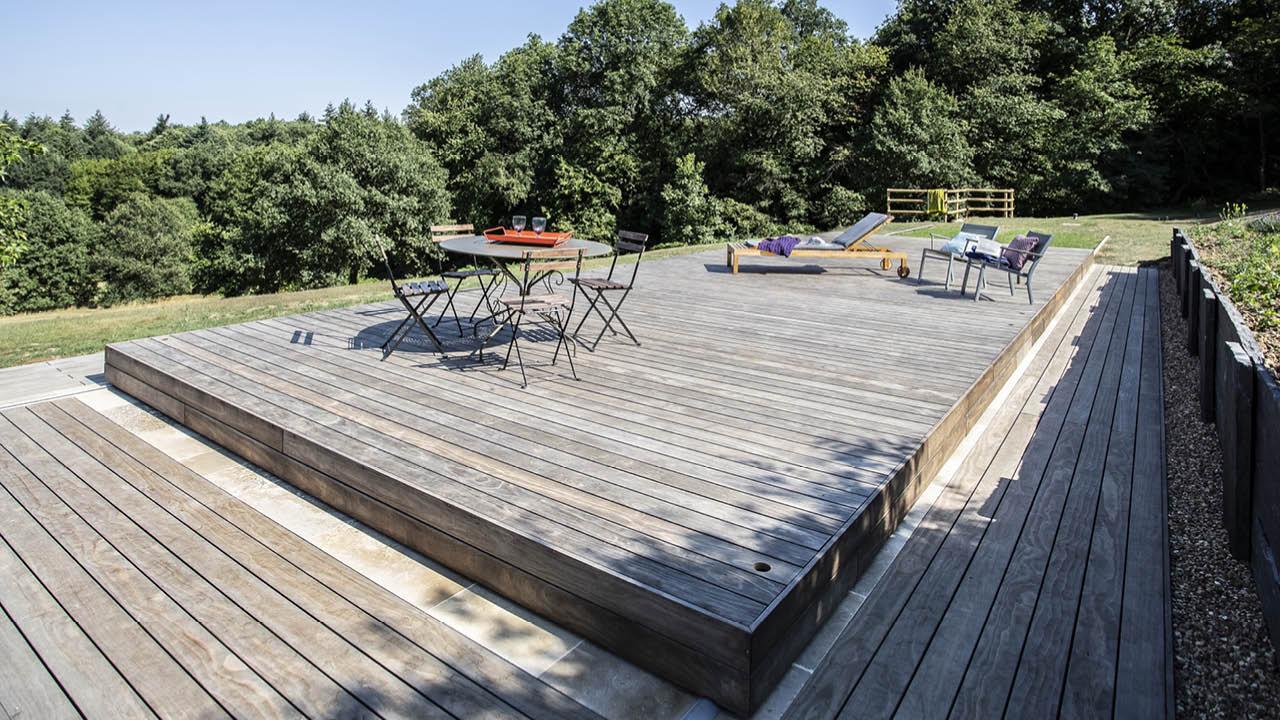 Au-delà des apparences terrasse mobile piscine campagne fermée Piscine avec terrasse mobile 3D Gris ardoise