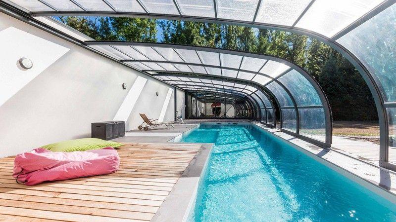 installer un abri de piscine esprit piscine. Black Bedroom Furniture Sets. Home Design Ideas