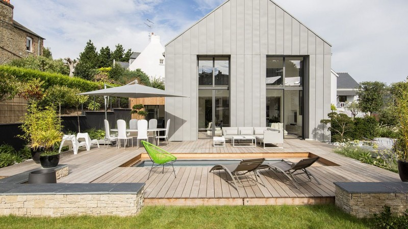 Un espace métamorphosé piscine design avec terrasse Piscine avec terrasse mobile Gris anthracite