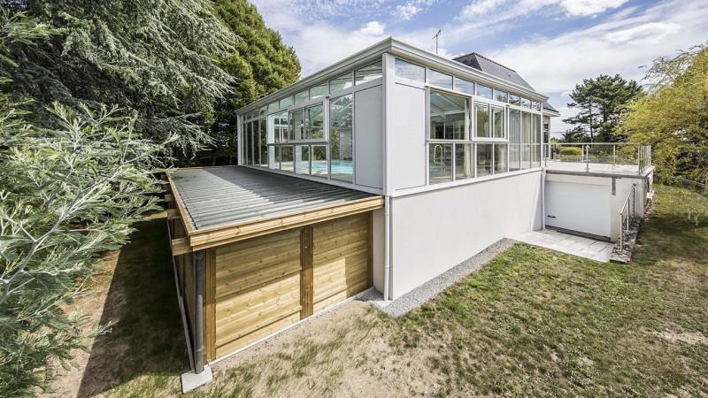 Baigné de lumière construction piscine couverte avec veranda Abris de piscine Blanc