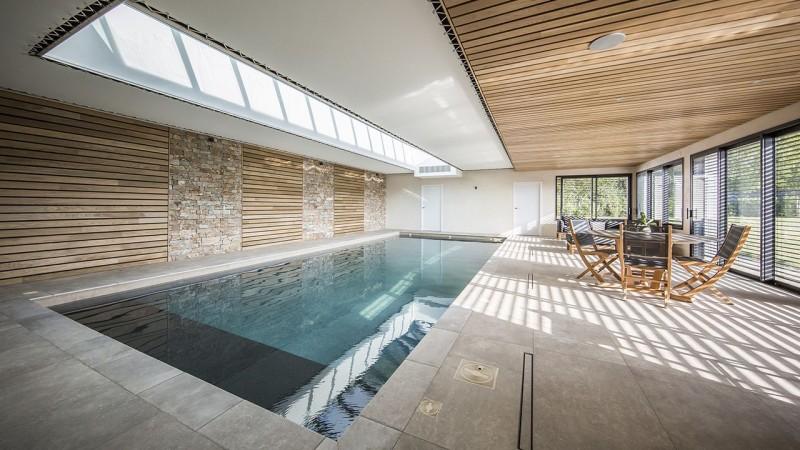 Plongeon de bien-être habillage mural piscine interieure Ligne d'eau minérale Piscine intérieure 3D Gris béton