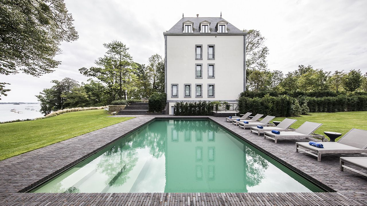 se baigner face la mer l 39 esprit piscine. Black Bedroom Furniture Sets. Home Design Ideas