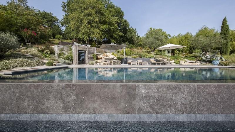 Bain en hauteur piscine debordement detail Piscine à débordement Piscine paysagée 3D Gris ardoise