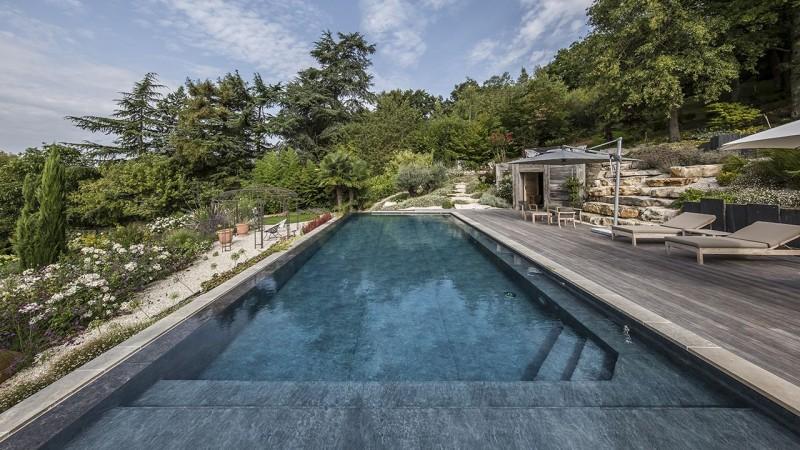 Bain en hauteur piscine debordement jardin Piscine à débordement Piscine paysagée 3D Gris ardoise
