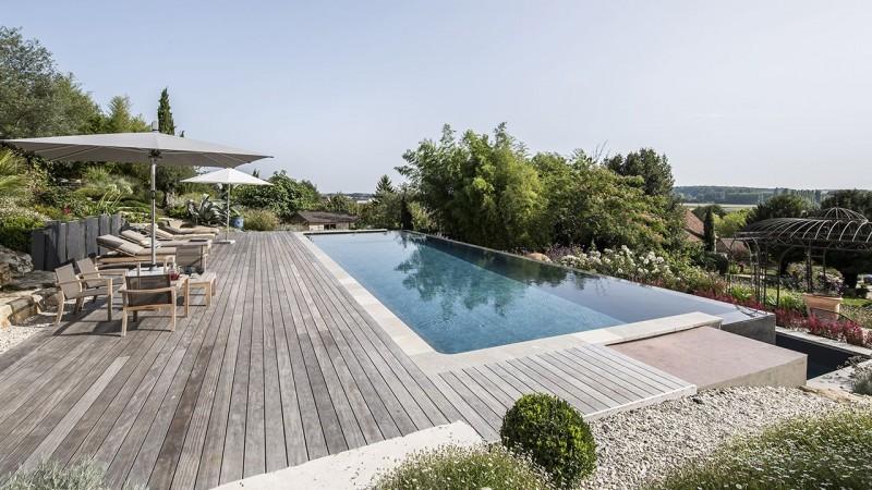 Bain en hauteur piscine debordement terrasse Piscine à débordement Piscine paysagée 3D Gris ardoise